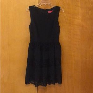 Betsy Johnson navy dress with lace detail